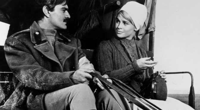 Omar Sharif as Yuri Zhivago, Julie Christie as Lara